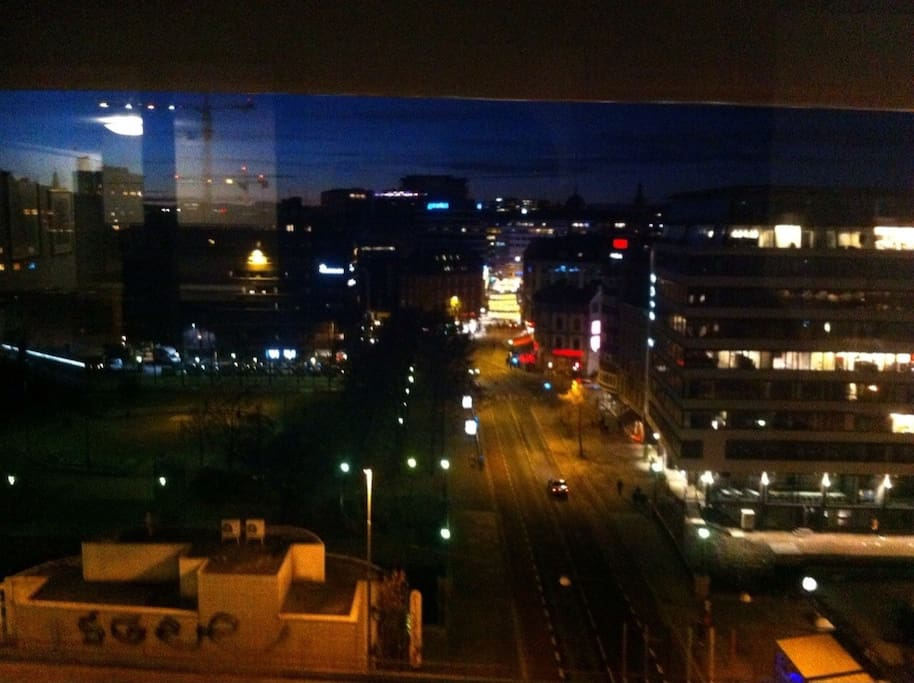 Awsame view from the 10. floor at night.