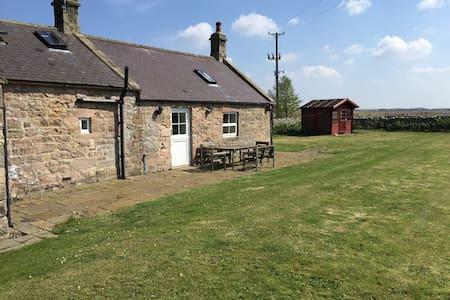Reading Rooms Cottage - North Charlton - Hus