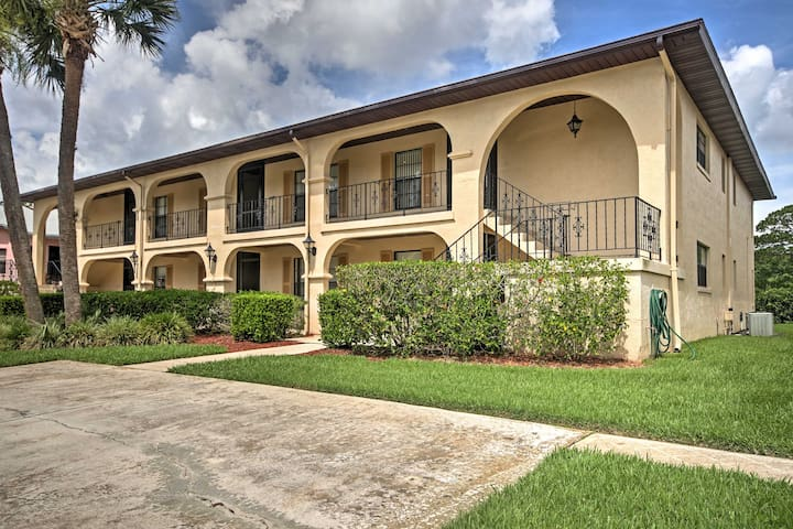 NEW! 2BR Sebring Golf Course Condo w/Pool Access!