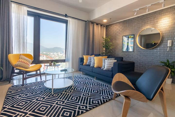 The Opera by ALV, 3BR Stylish and Sunny APT