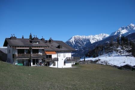 1.5 Zi  Mountain Retreat in Falera, 2-4 Personen. - Falera