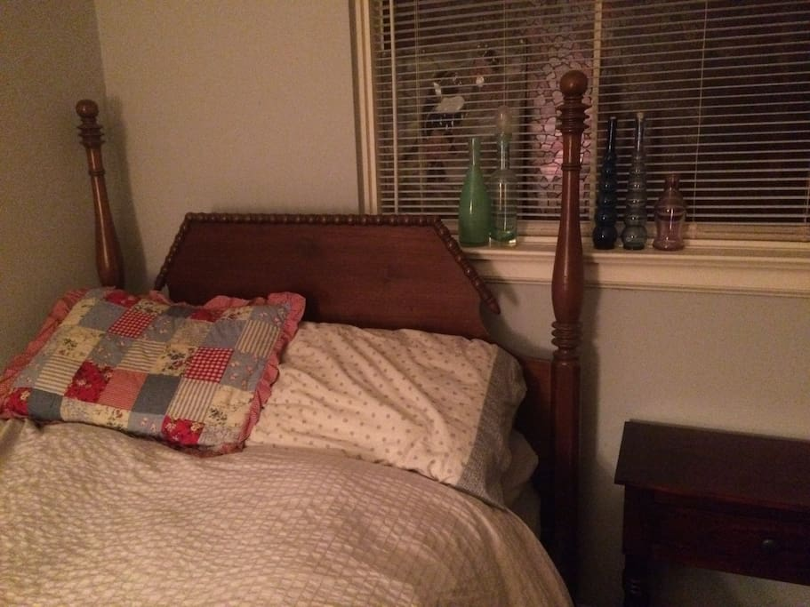 Warm & cozy bedroom with heritage decor.