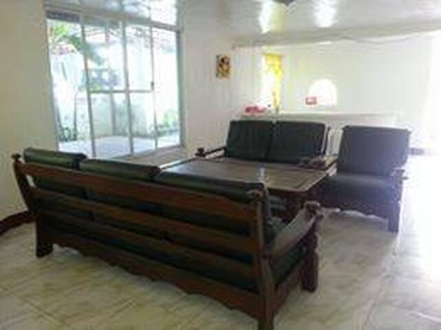 JR BUILDING ARENA(3 ROOMS)