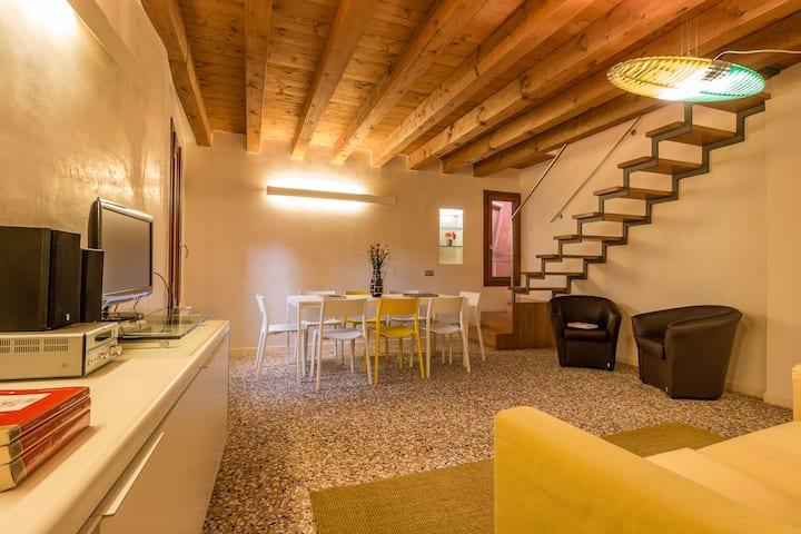 Rialto Mercato Family like at Home - SANITIZED