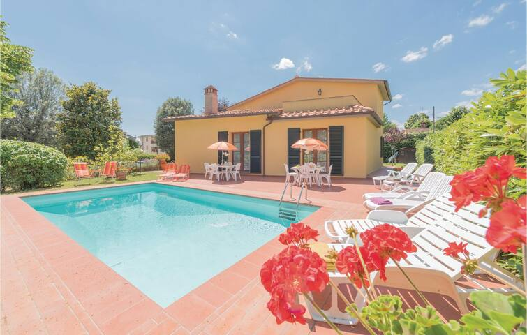 Holiday cottage with 5 bedrooms on 300m² in Scarperia FI