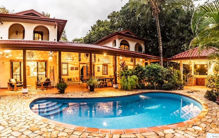 Newly Renovated Tropical Surfside Home in Nosara