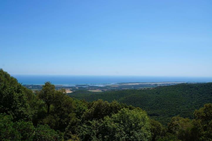 Villa avec une vue exceptionnelle 10 min de la mer - Ventiseri - House
