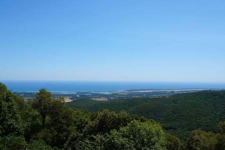 Villa avec une vue exceptionnelle 10 min de la mer - Ventiseri - 獨棟