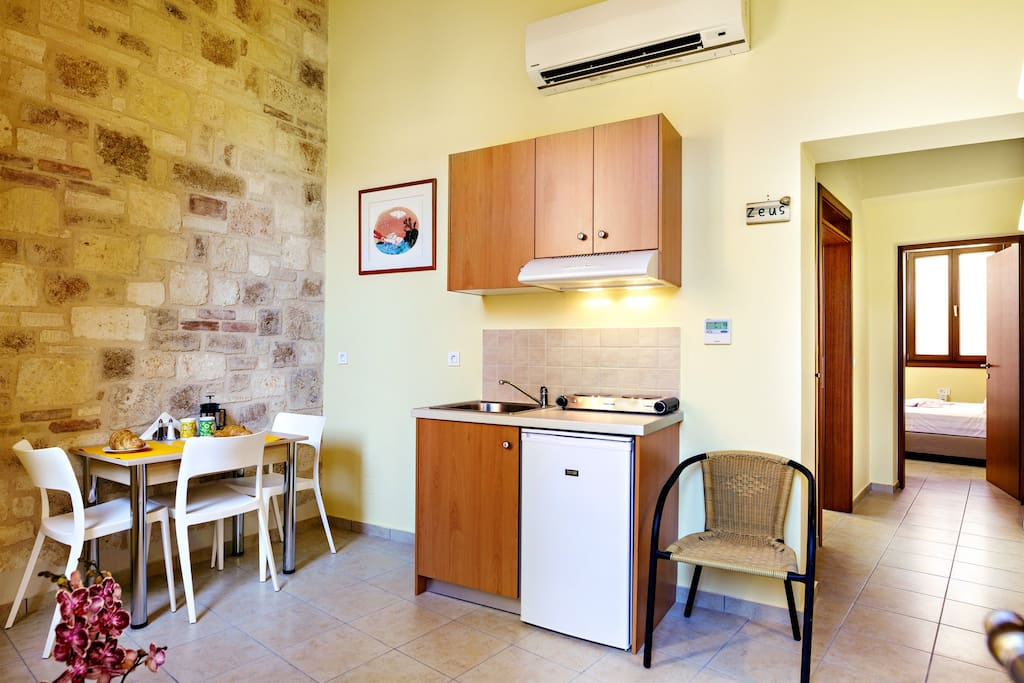 zeus kitchenette and dining area