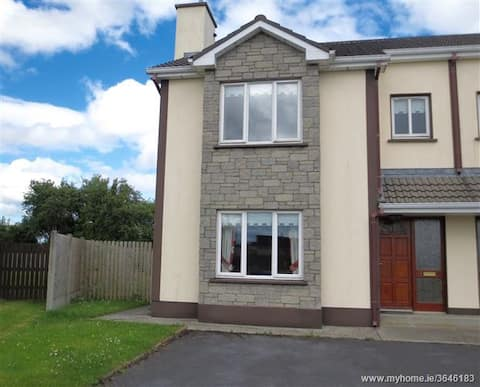 Spacious modern house in the heart of Portumna