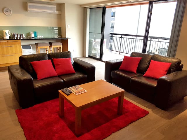Luxury, Spacious 2-bedroom City Apartment w/Carbay - Perth - Wohnung