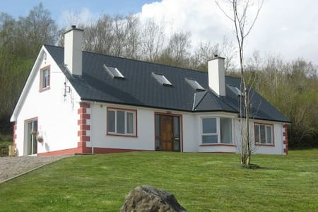 Friary Brae Holiday Home, Lough Eske - Donegal