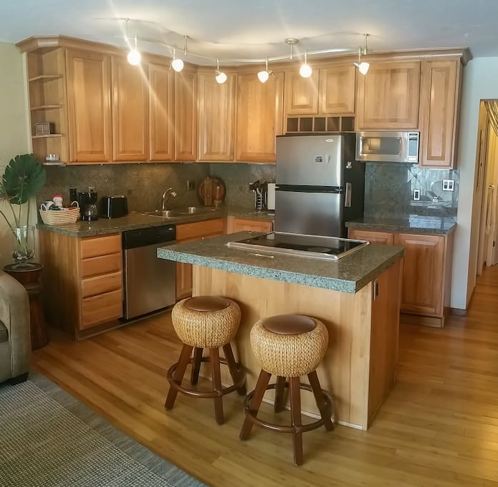 Full Kitchen - Granite Countertops - Stainless Steel Appliances