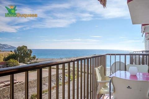 La Mamola legal, apartamento na beira da praia.