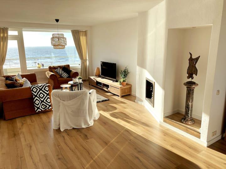 Zandvoort, Luxe appartement met zeezicht!