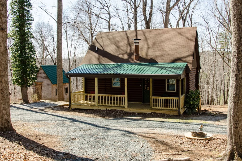 Secluded cabin 7 acres james river chalet in affitto a for Riverwalk cabine prati di dan va