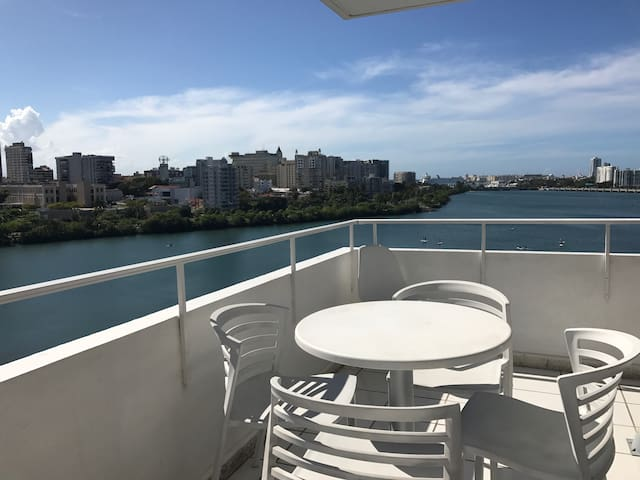 CONDADO- PERFECT LOCATION w/ AN AMAZING VIEW - San Juan