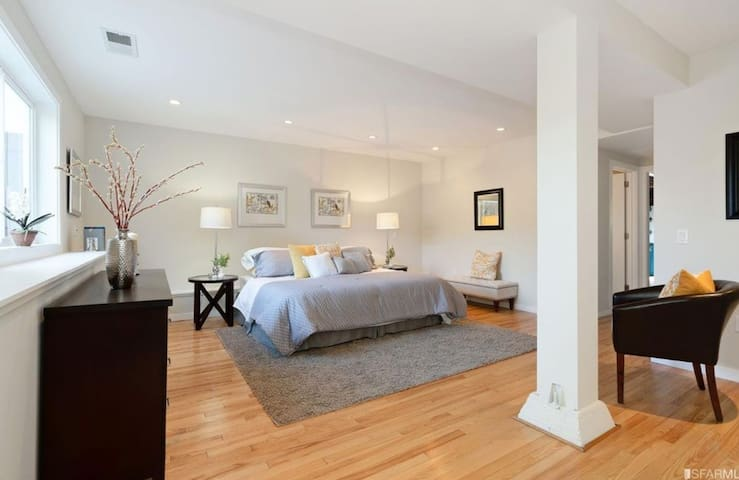 Newley remodeled large Private Studio