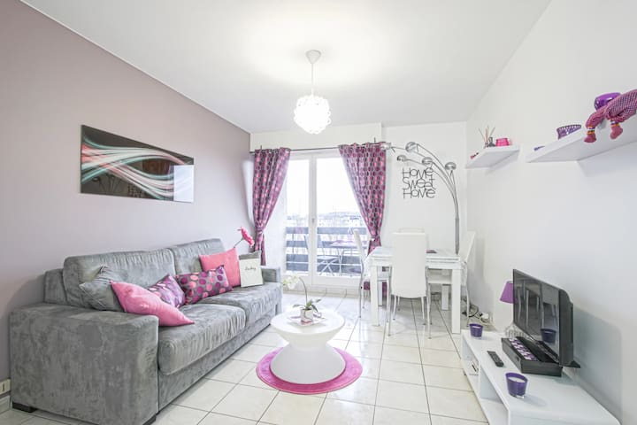 MODERN APARTMENT WITH BALCONY IN CABOURG