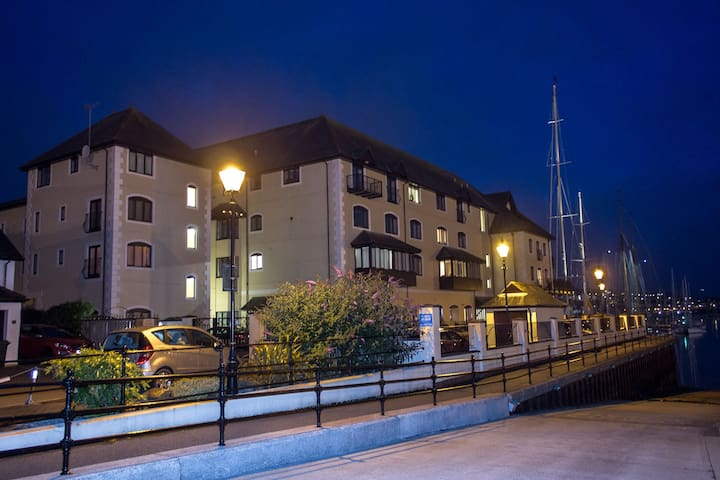 Waterside 2 bed, 2 bathroom apartment - Falmouth - Leilighet
