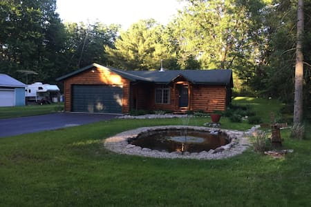 Wisconsin Cabin Getaway near Lakes!