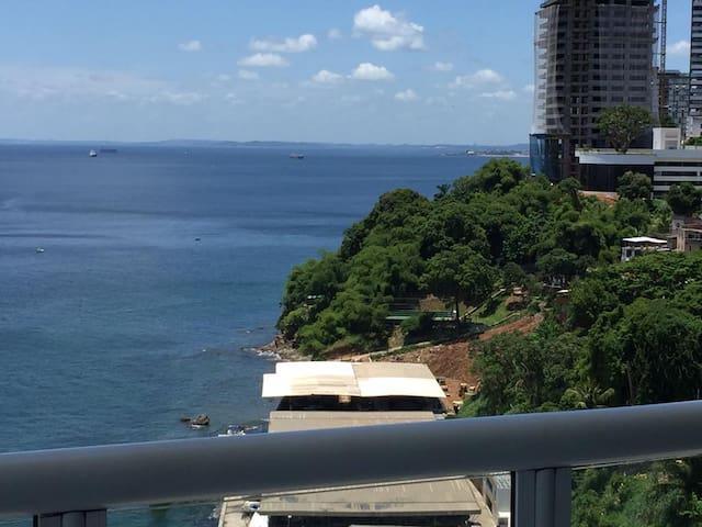 Apartamento de alto luxo na ladeira da Barra