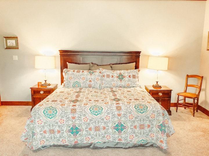 Nubbintown Lodge Room #4