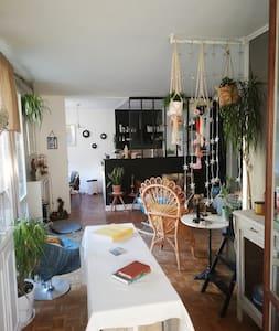 Chambre privée, 4 pièces avec terrasse et jardin