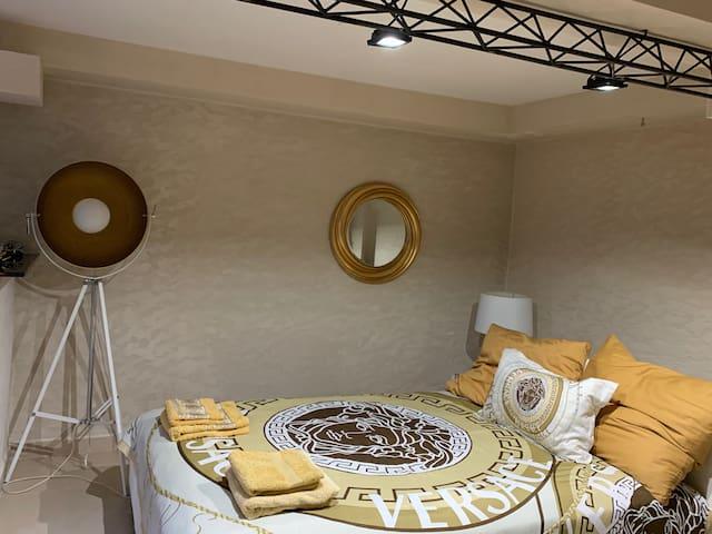 Sypialnia nr.2 w stylu Versace