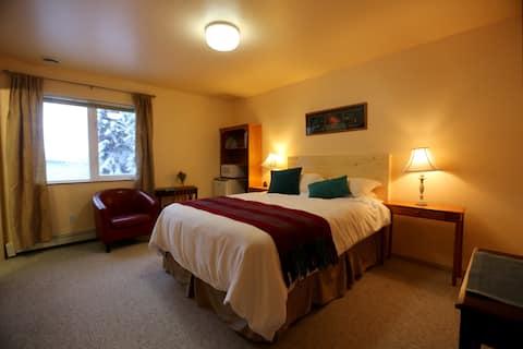 HIDDEN WONDER - Aurora Room - Private Bath
