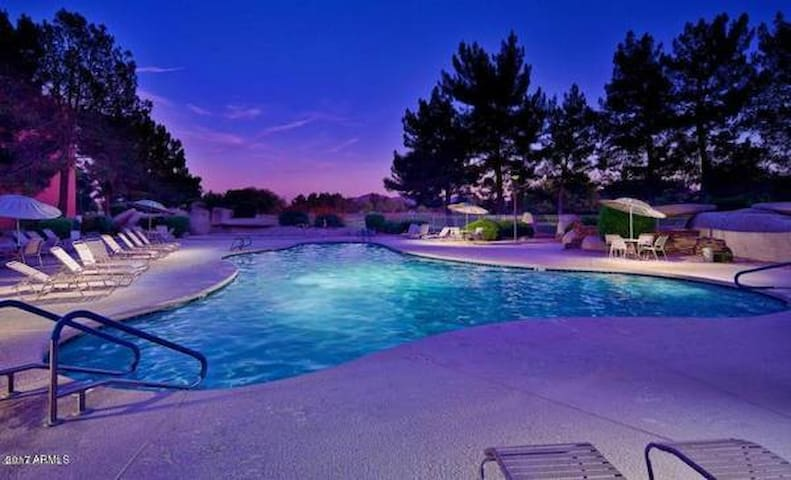 ANASAZI VILLAGE RESORT STYLE CONDO- 5 POOLS & SPAS