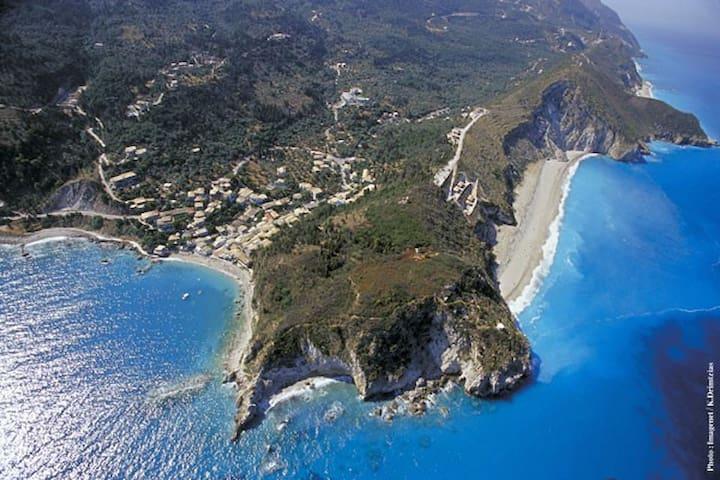 Beautiful house close to the beach - Agios Nikitas - Casa