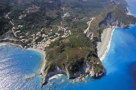 Beautiful house close to the beach - Agios Nikitas - Haus
