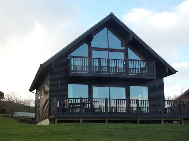 3 bed holiday lodge in Cornwall's Retallack resort