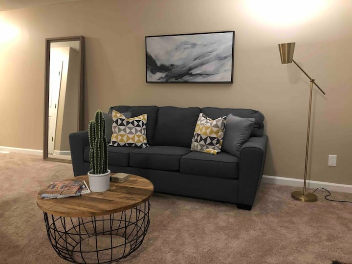 *NEW* Duke / RTP Area Modern & Clean Durham Condo