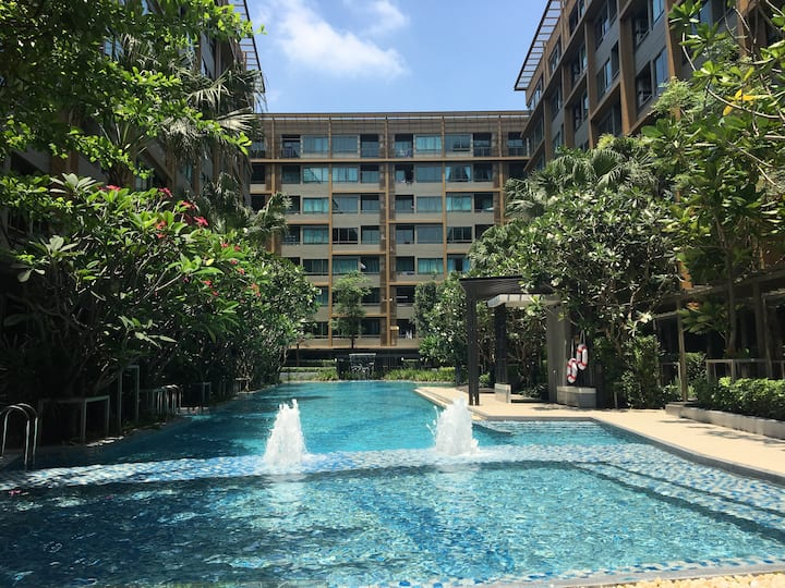 New Condo at downtown and near MRT station