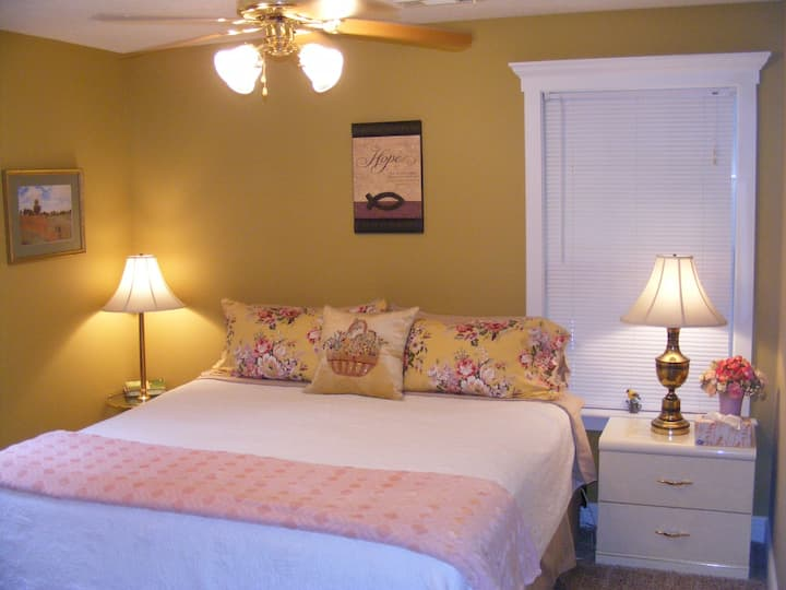 White River Retreat Featuring 2 New King Size Beds