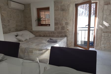 Old Town Trogir - Studio Apartment for 4 - Trogir - Leilighet