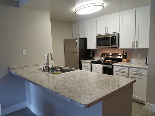 2BR Near Camp Pendleton/Ocean