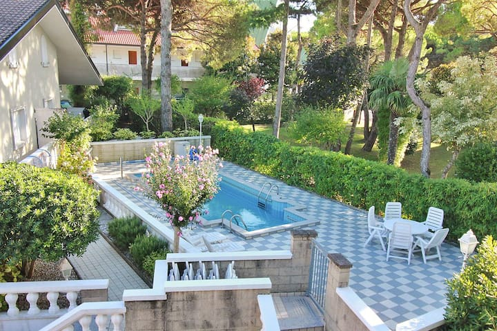 Villa with pool near the villa center - Lignano Sabbiadoro - Hus