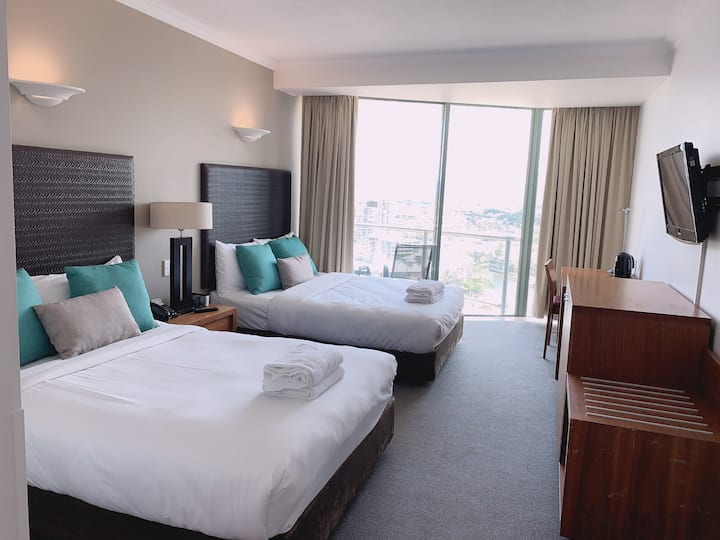 Surfers Paradise Hotel Room Close to beach
