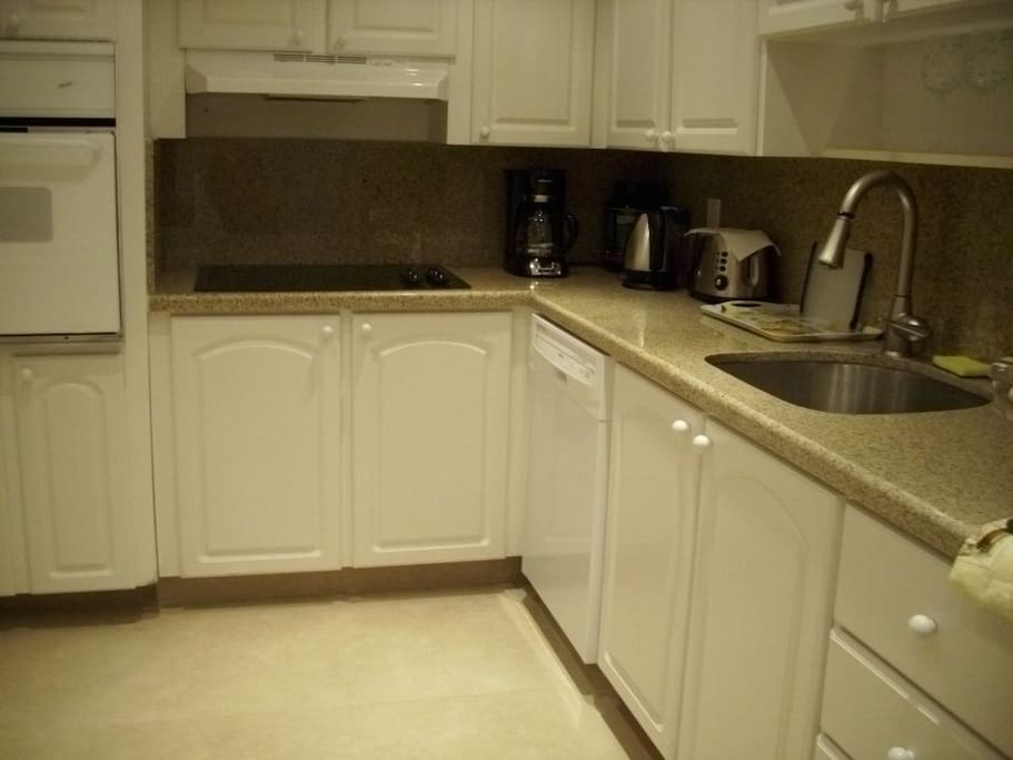 DISHWASHER, WALL OVEN , GRANITE COUNTERS