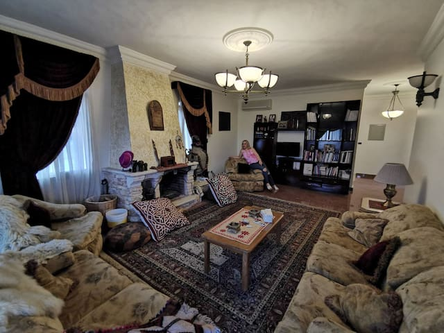 (NEW) Mountain Huge Villa, Amazing rooms and views