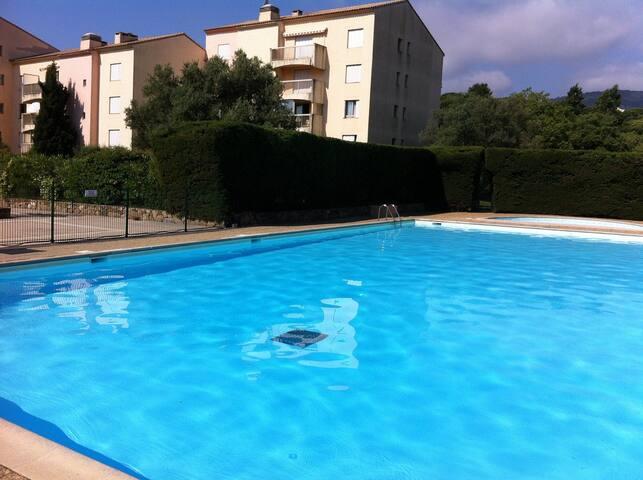 Séjour au Domaine du Préconil (T2 / 37m²) - Sainte-Maxime - Apto. en complejo residencial