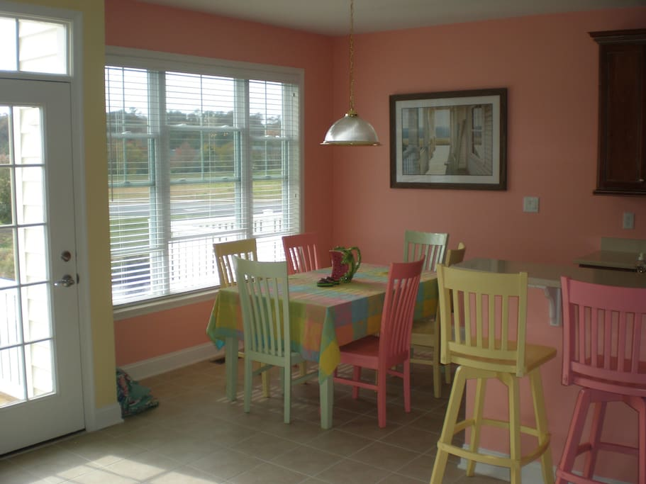 cheery breakfast nook
