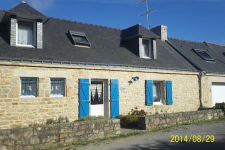 ty blue penty breton - Plouhinec - บ้าน