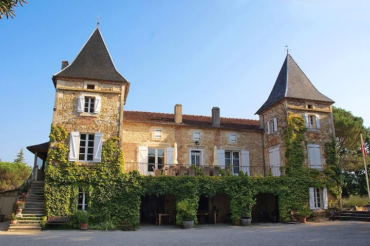 Chateau camp del Saltre  (Lot/dordogne)