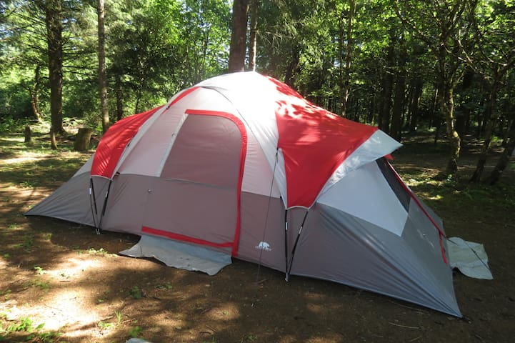 3 RM TENT ON  PRIVATE ESTATE,  AND GOLF COURSE