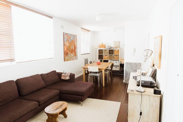 COASTAL APARTMENT. SUNNY DAYS PEACEFUL NIGHTS. - Vaucluse - Apartamento