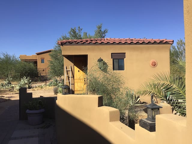 Rio Verde Casita Pet Friendly!  Mountain Views